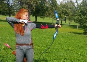 Sibylle-Becker-Bow-Shooting